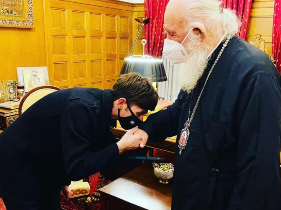 """Η Αρχιεπισκοπή """"καρφώνει"""" τον Φουρθιώτη για μαϊμού συνέντευξη με τον Ιερώνυμο αλλά δεν μας λένε «ποιος»έκλεισε το ραντεβού"""