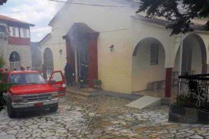 Εκτεταμένες ζημιές από πυρκαγιά στη μονή Παναγίας Κατερινούς στο Αγρίνιο