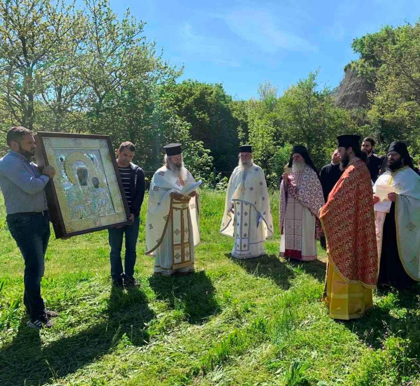 Λιτανεύτηκε η εικόνα της Παναγίας μας  στα Ελληνοαλβανικά σύνορα!