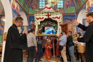 Με συγκίνηση και πλήθος πιστών η Αποκαθήλωση και ο Επιτάφιος στην Εκκλησία της Αλβανίας