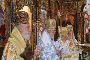 Ο Σύρου Δωρόθεος στην Ιερά Μονή Αγίας Τριάδος Τζαγκαρόλων Κρήτης για το ετήσιο μνημόσυνο του κατά σάρκα  πατρός του Επισκόπου Δορυλαίου Δαμασκηνού