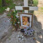 Είναι δυνατόν να παραμένει  απ´τον Οκτώβριο ο τάφος του Μακαριστού Ιταλίας Γενναδίου σε αυτό το χάλι;