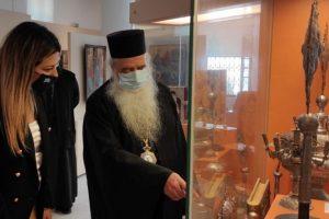 Η Υφυπ. Τουρισμού Σοφία Ζαχαράκη στον Μητροπολίτη Σάμου Ευσέβιο