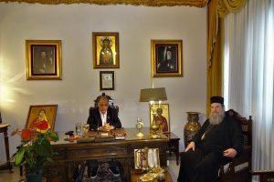 Στον …Κυριάκο Βελόπουλο παραχώρησε ο Σεβ. Ιερισσού το γραφείο του