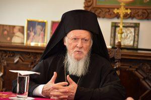Επικοινωνία Οικουμενικού Πατριάρχου με Αρχιεπίσκοπο  Ιερώνυμο για την επίθεση με καυστικό υγρό