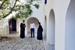 Ο Υφ. Περιβάλλοντος κ. Αμυράς στην πληγείσα Ιερά Μονή Αγίας Παρασκευής Μάζι Μεγάρων
