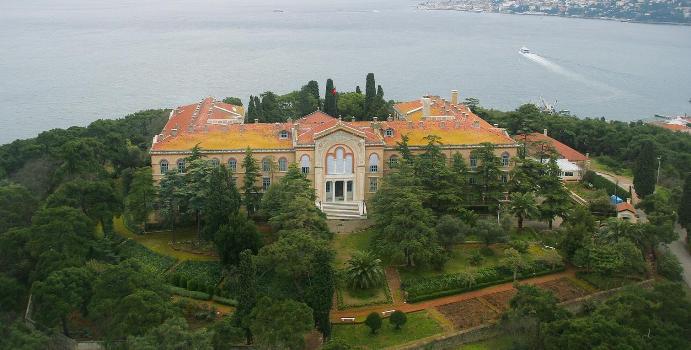 You are currently viewing Το Στέιτ Ντιπάρτμεντ ζητά η Τουρκία να ανοίξει τη Θεολογική Σχολή της Χάλκης