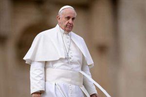Κατερίνα Σακελλαροπούλου: Επίσημη πρόσκληση στον Πάπα Φραγκίσκο σε συνεννόηση(!!)με την Εκκλησία της Ελλάδος,να επισκεφθεί την Αθήνα