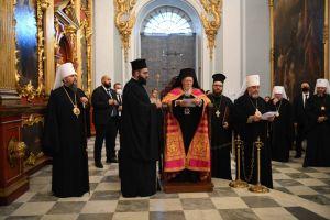 Εσπερινός στο Σταυροπήγιο του Οικουμενικού Πατριαρχείου στο Κίεβο από τον Πατριάρχη