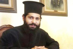 Ο ιερέας της ΕΛ.ΑΣ. που ξεχώρισε στα πύρινα μέτωπα της Αττικής