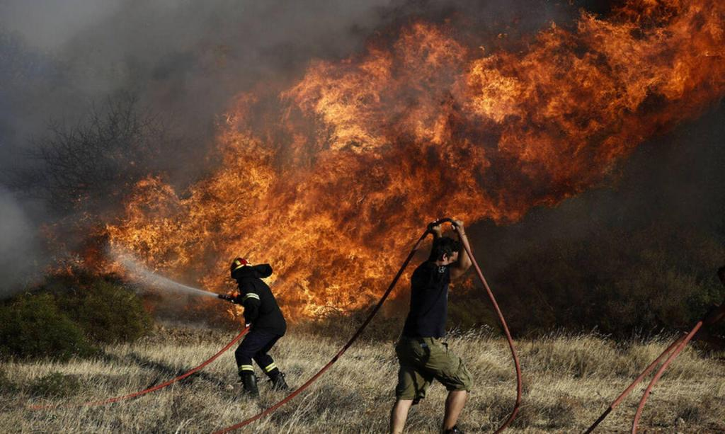 You are currently viewing Μεγάλη φωτιά απειλεί την Ι. Μονή Χρυσοκελλαριάς Μεσσηνίας