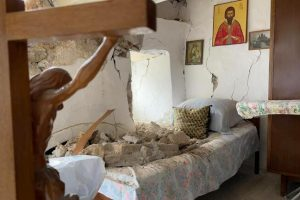"""Μοναχός Μονής Αγκαράθου: """"Μας γλίτωσε η Παναγία"""""""