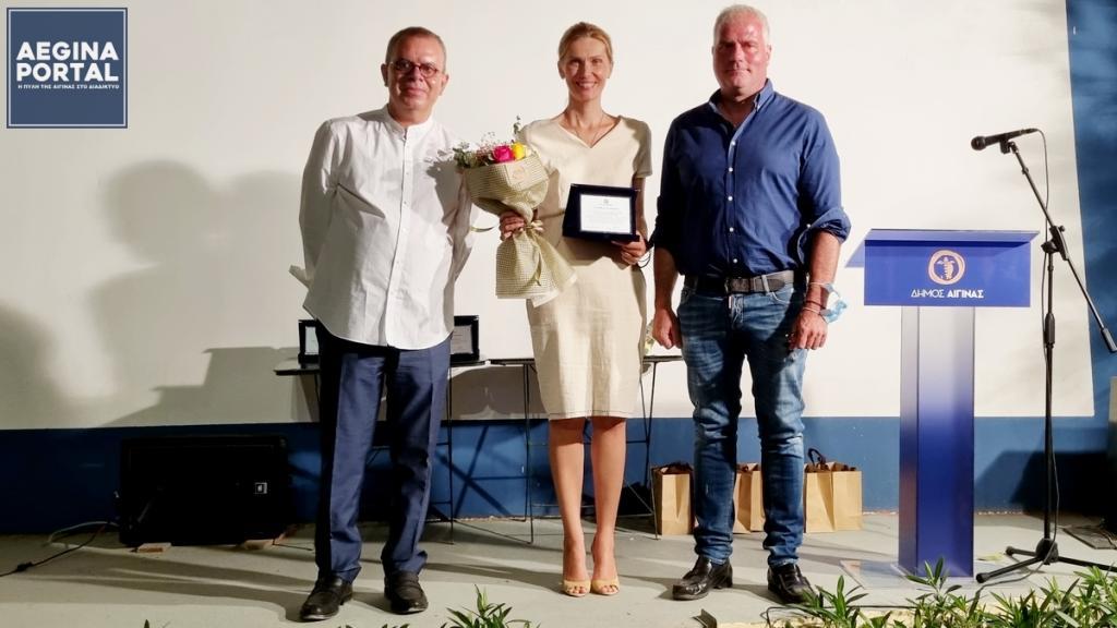 "You are currently viewing Ο Δήμος Αίγινας και η Επιτροπή 2021 τίμησαν τη Γελένα Πόποβιτς και συντελεστές της ταινίας ""Ο Άνθρωπος του Θεού"""