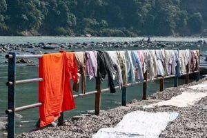 Ινδία: Κατηγορούμενος για απόπειρα βιασμού θα πλένει τα ασπρόρουχα 2.000 γυναικών για 6 μήνες