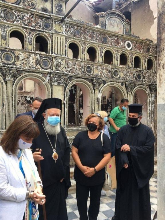You are currently viewing Επίσκεψη του Μητροπολίτου Χαλκίδος σε πυρόπληκτες ενορίες του Δήμου Ιστιαίας-Αιδηψού
