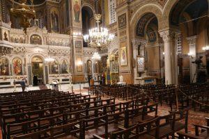 Οἱ Θεσμοί στήν Ἐντατική! Μόνο το 27% των Ελλήνων επιλέγουν την Εκκλησία