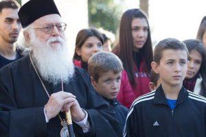 """Αρχιεπίσκοπος Αναστάσιος: """"Χάνουμε πολύ συχνά τη θέα του Σταυρού…"""""""