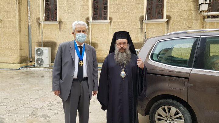 You are currently viewing Ο Μητροπολίτης Χίου Μάρκος τίμησε τον Καθηγητή του