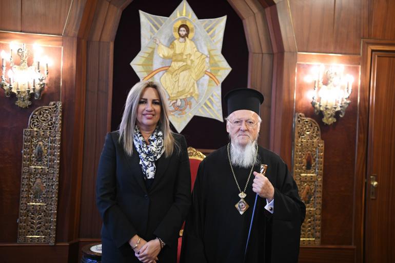 You are currently viewing Τηλεφωνική επικοινωνία του Οικουμενικού Πατριάρχου με την Πρόεδρο του Κινήματος Αλλαγής